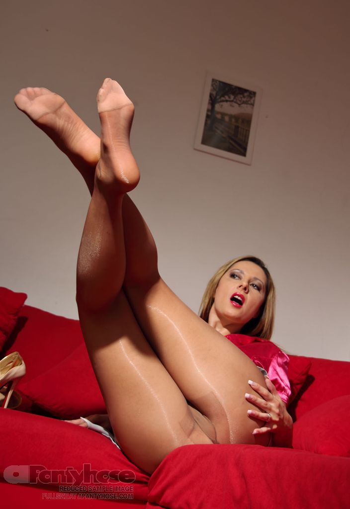 Very serious pantyhose fetish she