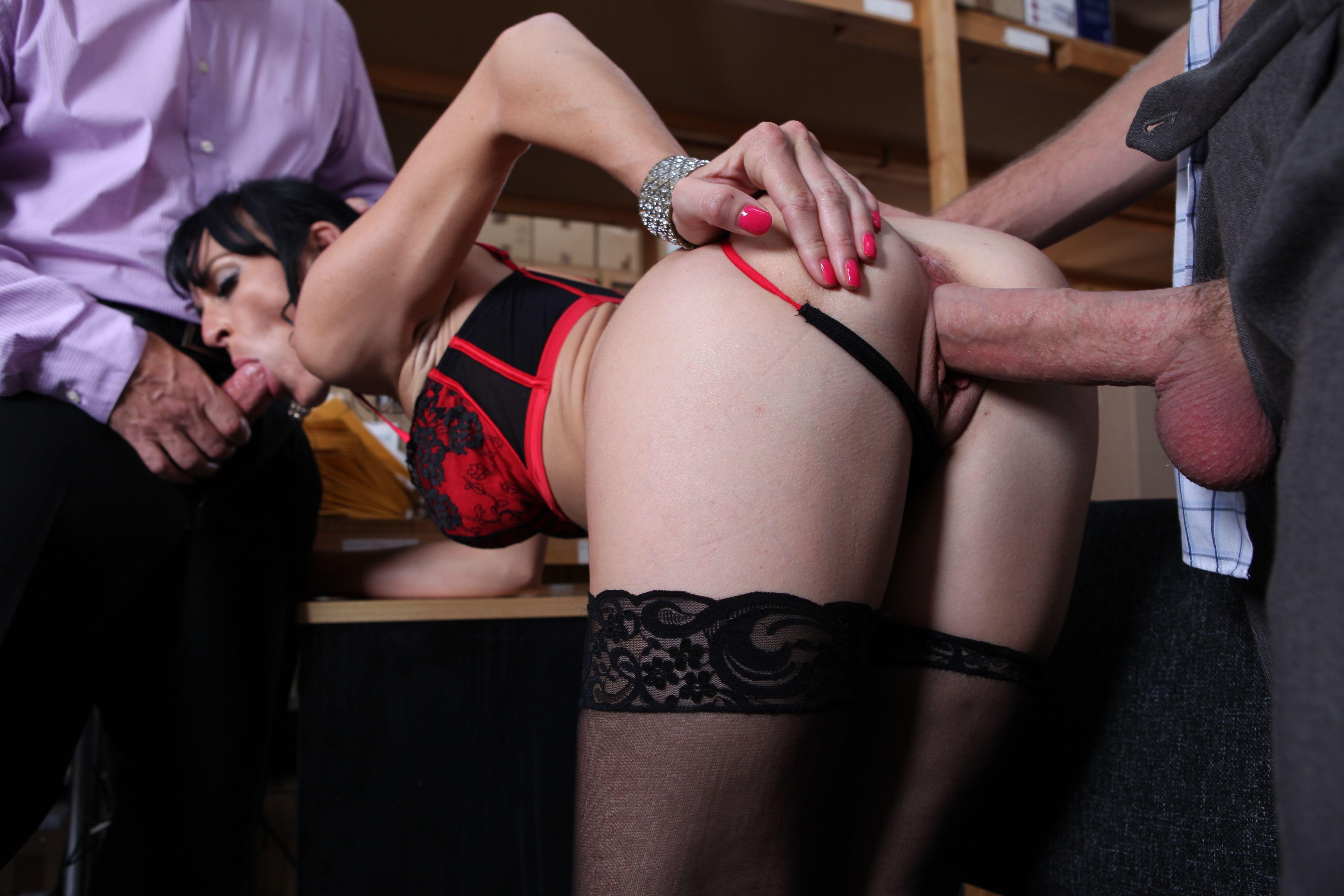 порно легинсы в чулках ему